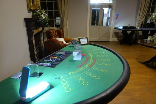 fun-casino-hire-for-wedding8440DB99-5669-5BB9-9EDE-B8B6DB9A754B.jpg