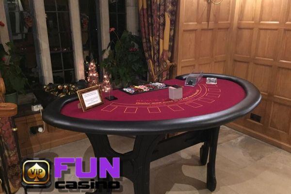 fun-casino-hire-in-gloucestershire2682EC915-D266-57D6-3CD2-5D0B25DBDDF6.jpg