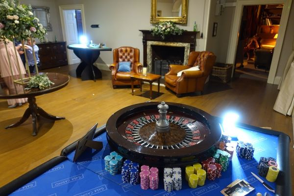 roulette-hire-for-wedding4974A837-09FB-3677-0DF8-001698ACF0CA.jpg
